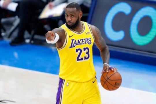 Engkel LeBron James kembali cedera, belum pasti main lawan Nuggets