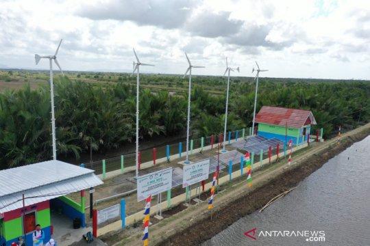 Pertamina mengembangkan desa mandiri energi berbasis angin dan surya