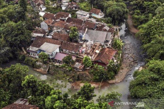 Foto udara permukiman kumuh di Ciamis