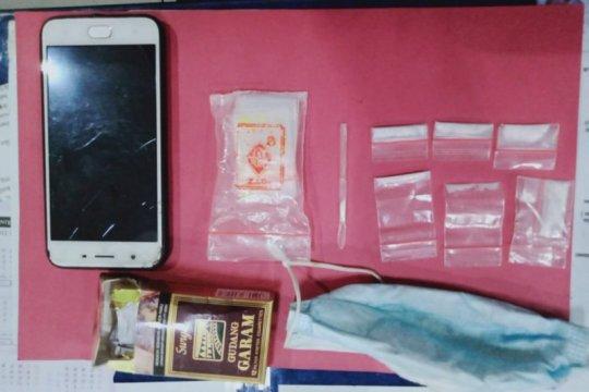 Polisi tahan penyalah guna narkoba sembunyikan sabu dalam masker