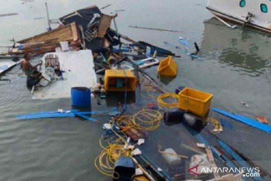 Tiga orang luka-luka akibat ledakan kapal di Sumenep