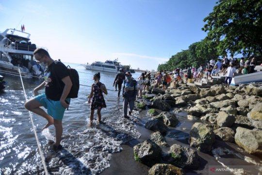 Penyeberangan kapal cepat jelang libur Nyepi