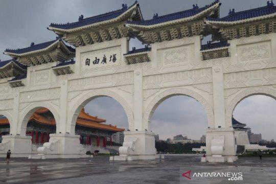Tiga pekerja kaburan di Taiwan dipulangkan ke Indonesia