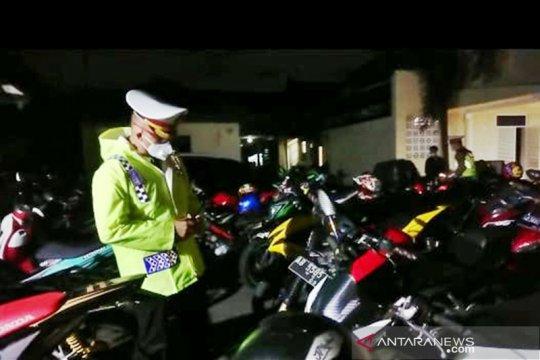 """Operasi knalpot """"brong"""", polisi sita 205 sepeda motor di Solo"""