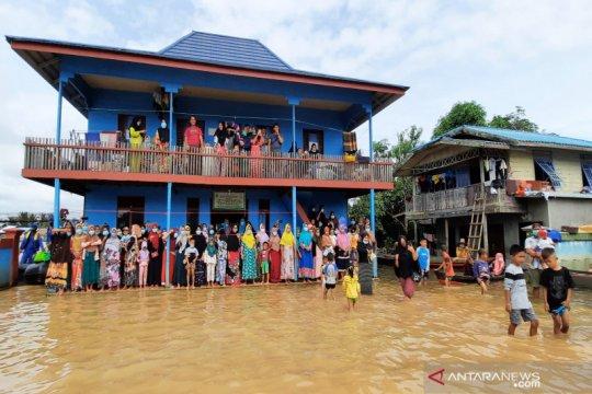 Peningkatan kasus COVID-19 di Kalsel dampak banjir dan mobilitas