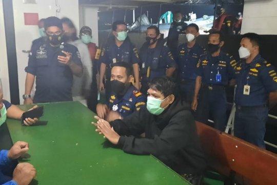 Pangkalan PLP Tanjung Uban selamatkan 3 penumpang kapal tenggelam