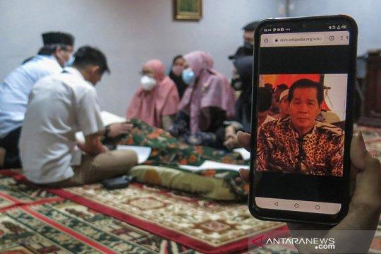 Kemarin, Anton Medan dikebumikan hingga tata kelola keuangan Bakamla