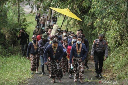 """Labuhan Gunung Merapi hanya diikuti """"abdi dalem"""" Keraton Yogyakarta"""
