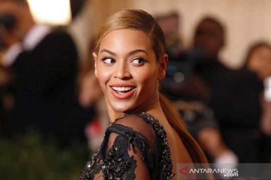 """Formation"" milik Beyonce jadi video klip terbaik versi Rolling Stone"