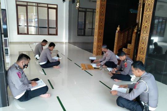 Personel Polres Agam adakan tadarus Al Quran setiap pagi