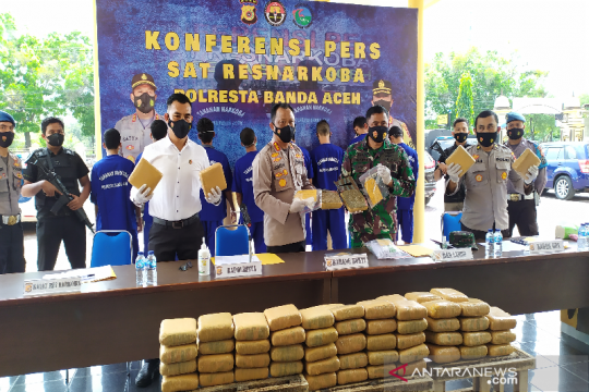 Tim gabungan gagalkan pengiriman 90 kilogram ganja ke Jakarta