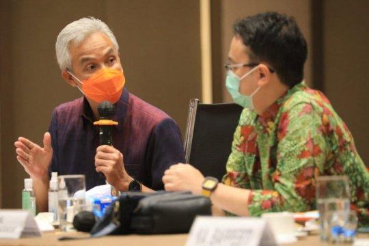 Ganjar: Petani Jawa Tengah perlu diedukasi sistem resi gudang