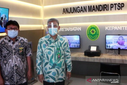 Pengadilan Tinggi Surabaya operasikan Anjungan PTSP
