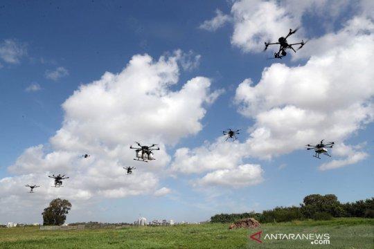 Demo pengoperasian drone pengantar barang