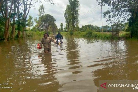 Pemerintah mulai salurkan bantuan bagi korban bencana