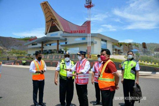 Jelang diresmikan Presiden, Menhub tinjau Bandara Toraja