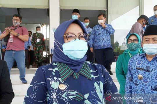 Bupati Bogor imbau warga tak ke luar negeri antisipasi virus B117