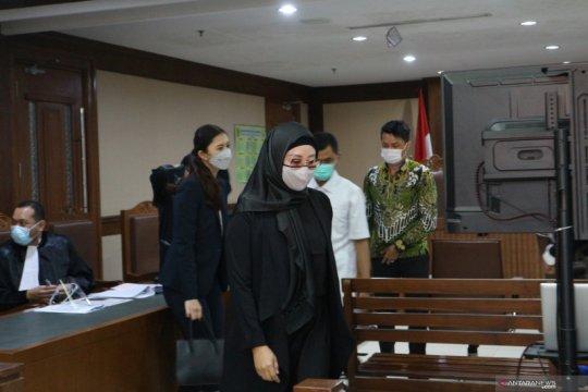 Mantan sespri mengakui disediakan apartemen, mobil oleh Edhy Prabowo