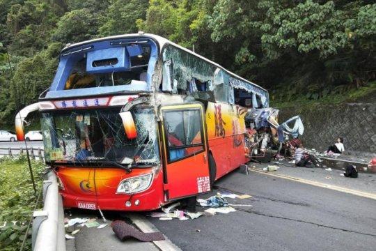 Kecelakaan bus di Taiwan tewaskan enam penumpang, tak ada korban WNI