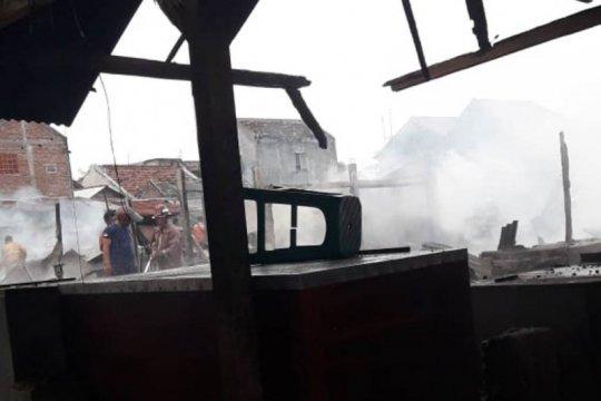 Pasar Campurdarat Tulungagung ludes terbakar