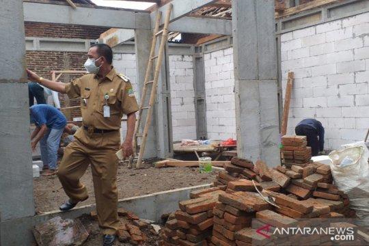 Pemkab Bekasi bangun rumah korban banjir Citarum