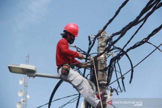 Kepulauan Seribu gunakan lampu jalan hemat energi
