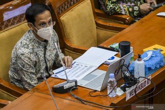 Rapat Kerja Mendikbud dengan Komisi IX DPR