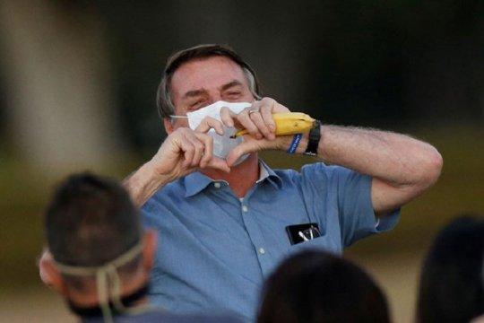 Presiden Brazil berencana perbolehkan penerima vaksin tak pakai masker