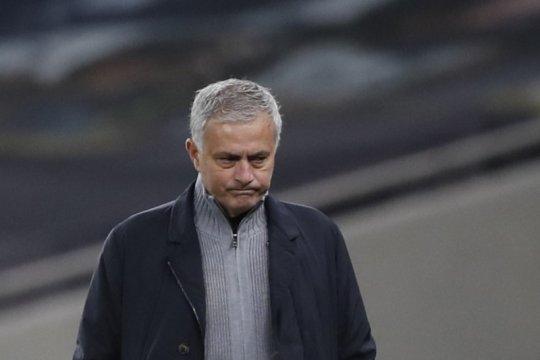 Jose Mourinho marah besar kepada pemainnya