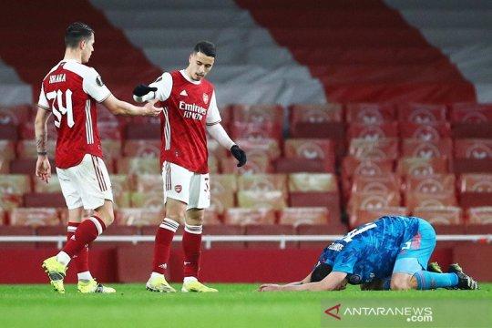 Arsenal lanjut ke perempat final walau kalah di leg kedua