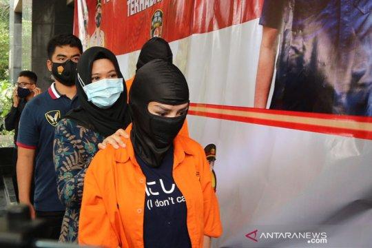Polda Metro tetapkan tiga tersangka kasus prostitusi Cynthiara Alona