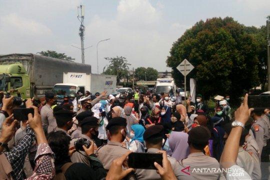 Polisi tutup sebagian akses ke PN Jakarta Timur