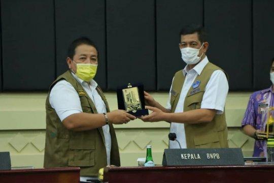 Ketua Satgas serahkan bantuan penanganan COVID-19 di Lampung