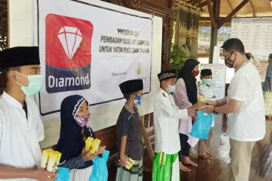 Diamond bagikan 1.800 susu UHT kepada yatim piatu dan dhuafa