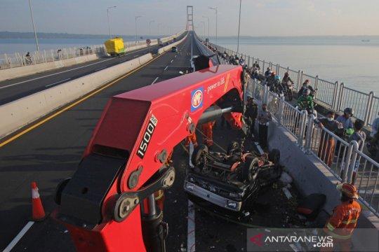 Kecelakaan di Jembatan Suramadu
