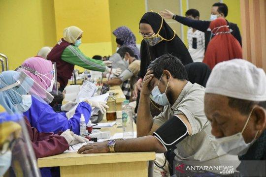 456 calon haji berusia lanjut di Bekasi jalani vaksinasi COVID-19