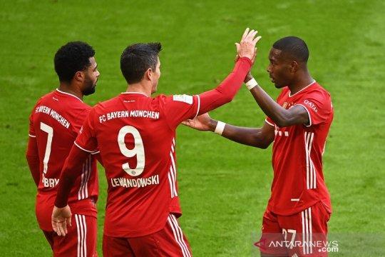 Tiga gol Lewandowski antar 10 pemain Bayern cukur Stuttgart 4-0