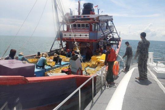 KKP tertibkan empat kapal cantrang di Selat Makassar