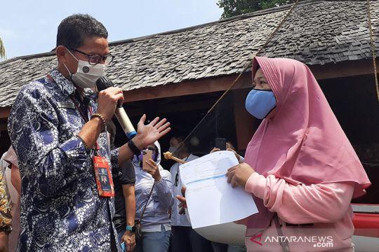 Sandiaga di Batam saksikan vaksinasi bagi pelaku pariwisata