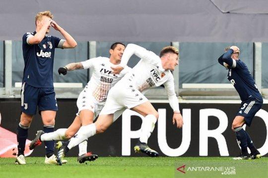 Asa juara Juventus terancam setelah kalah lawan Benevento