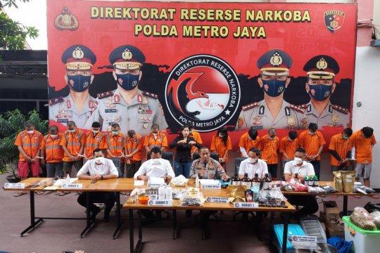 Polda Metro Jaya bongkar industri rumahan tembakau gorila