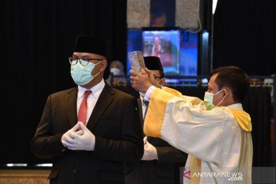 """Mendikbud lantik Prof """"Kun"""" Adnyana sebagai Rektor ISI Denpasar"""