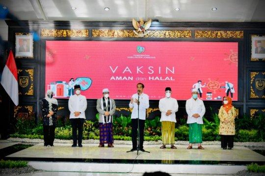 Vaksinasi COVID-19 di Jombang serentak disaksikan Presiden Jokowi