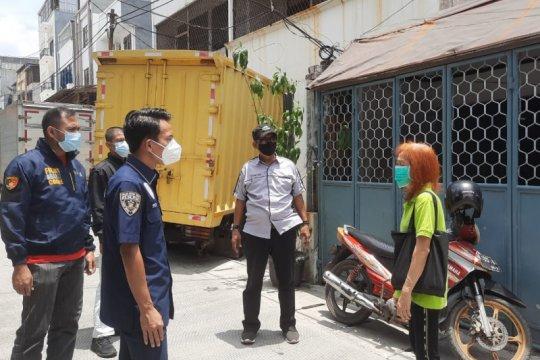 Polisi gelar olah TKP penjambretan lansia di Taman Sari