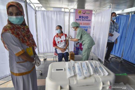 Pemkot Mataram sediakan paket sembako bagi lansia siap divaksin