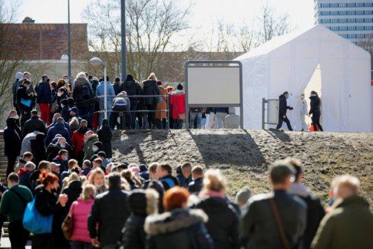 Mulai 4 Mei anak-anak di Polandia kembali ke sekolah