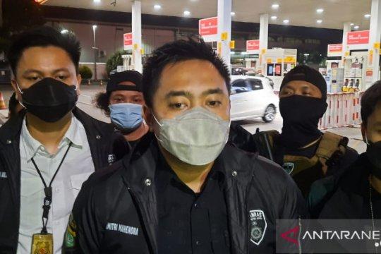 Polrestro Jakbar buru perampok saat pengemudi istirahat di SPBU
