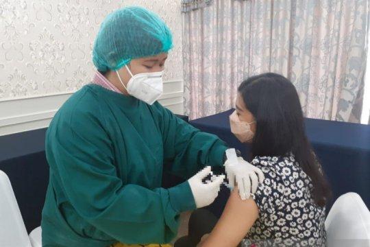 Kemensos berikan vaksin COVID-19 dosis kedua bagi 1.121 ASN
