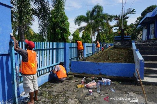 Kemenhub libatkan warga sekitar dalam program padat karya di Surabaya