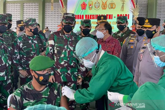 Panglima TNI terima 130 ribu vaksin COVID-19 untuk prajurit